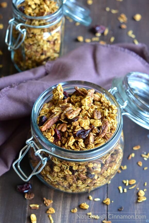 pumpkin-granola clean eating snacks